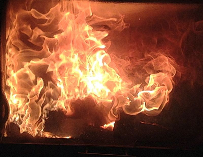 Ich tanze das Feuer in mir
