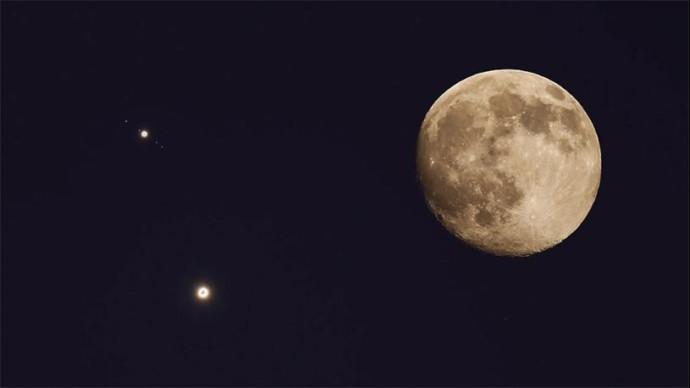 Sternennews: Kleines und großes Glück