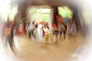 Tanzend die Welt verändern?
