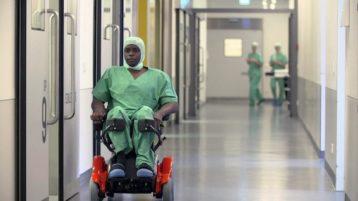 Erfolgreicher Neurochirurg trotz Handicap