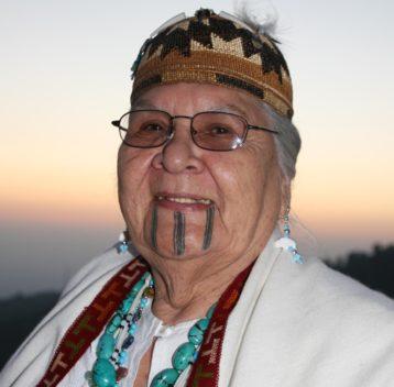 Großmutter Agnes Baker-Pilgrim